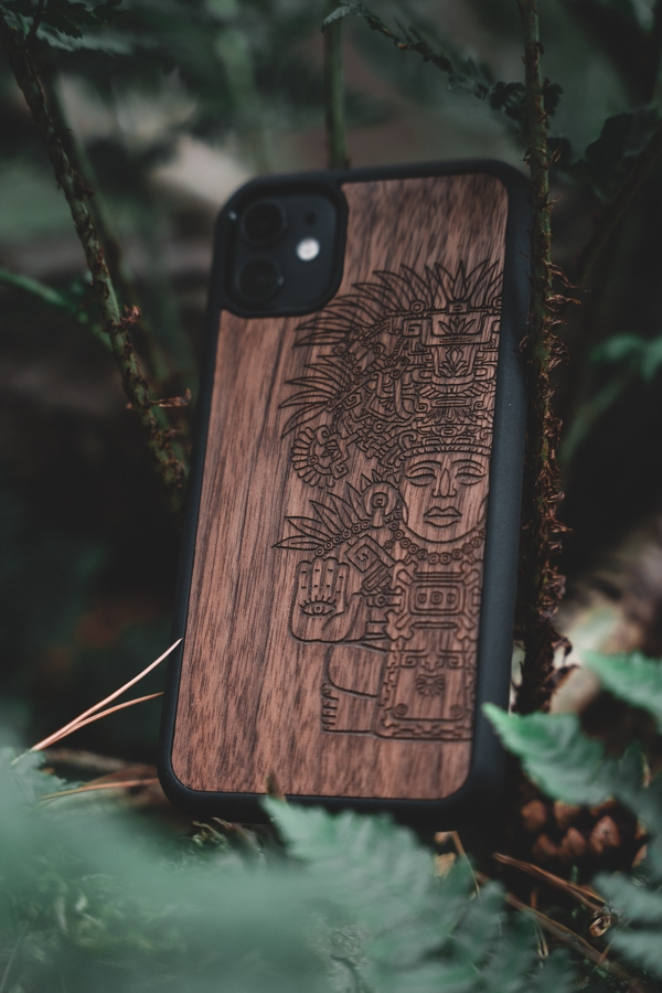 Kudu wooden smartphone cover