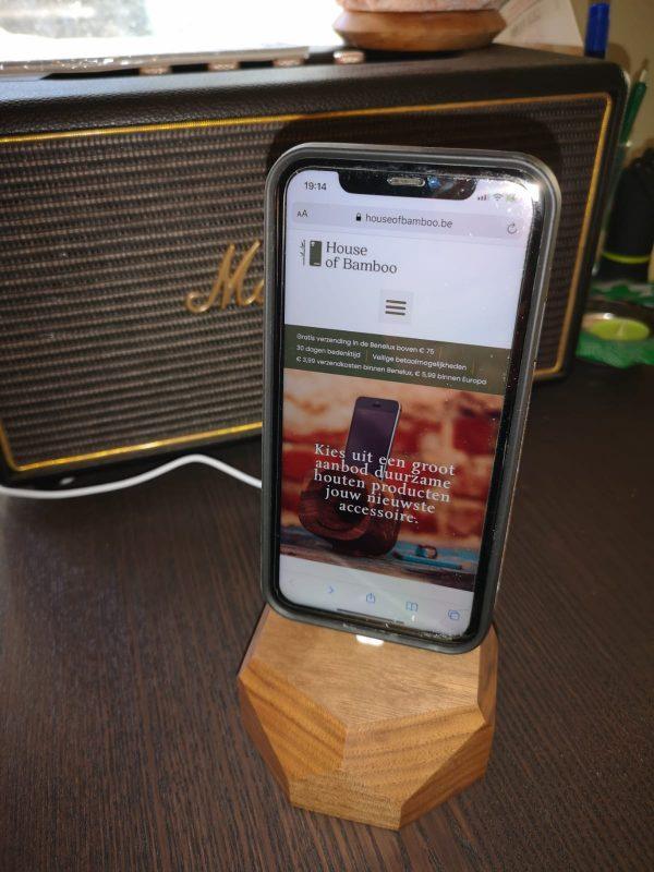 Houten-iPhone-Dock